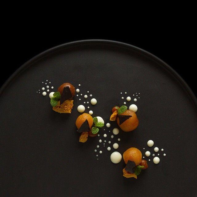 Caramel poached apple, apple puree, honeycomb and dark chocolate #TheArtOfPlating