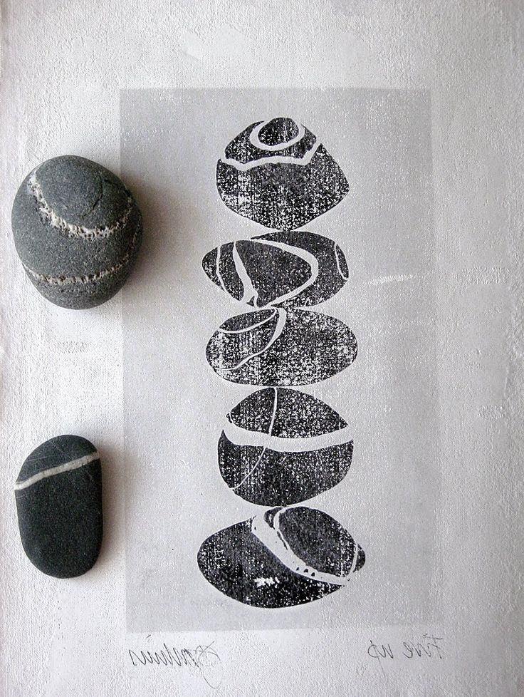 CAROLYN SAXBY MIXED MEDIA TEXTILE ART: Fabric pebble collage and playing with Photoshop