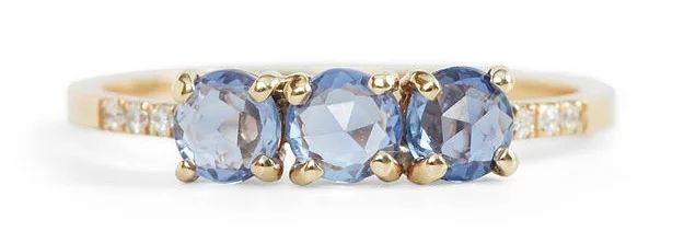 3 taşlı muhteşem mavi safir yüzük: