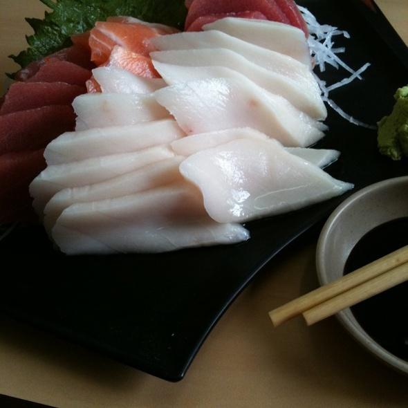Sashimi by Marcelo Maia