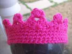 Free 0-3 month Crochet Crown Pattern. Not just for babies... adapt to any size.