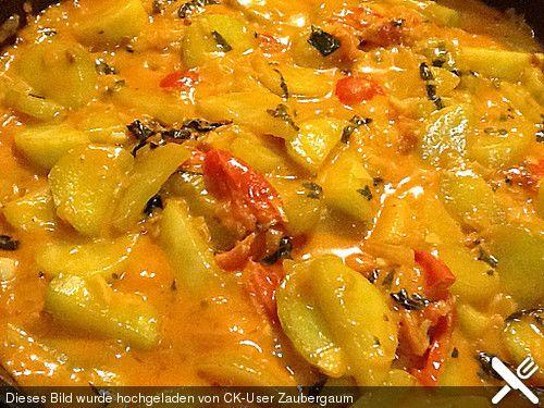 Tomatisierte Schmorgurken mit frischem Basilikum ala Zaubergaum, ein sehr schönes Rezept aus der Kategorie Gemüse. Bewertungen: 6. Durchschnitt: Ø 3,6.