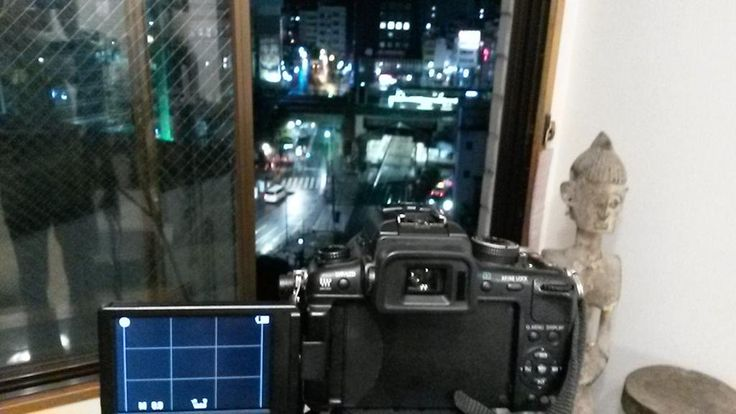 Some rooftop shooting in #tokyo #東京 #日本. Rainy days and a shitload of neons are amazing.