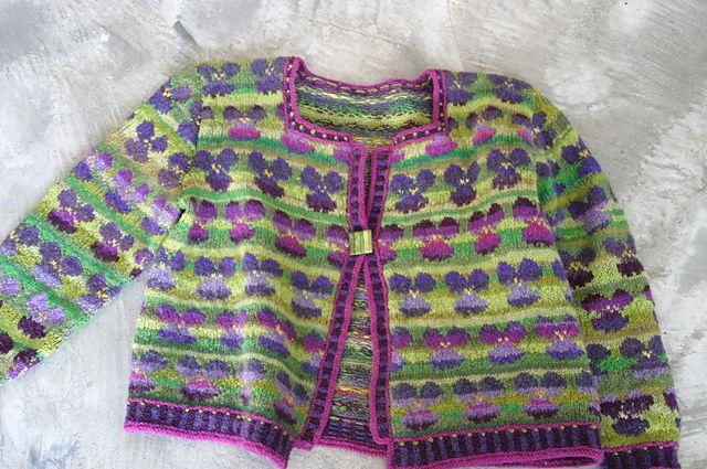 Ravelry: Violets pattern by Lydia Feucht