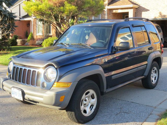 33 best jeep liberty images on pinterest jeep jeep. Black Bedroom Furniture Sets. Home Design Ideas