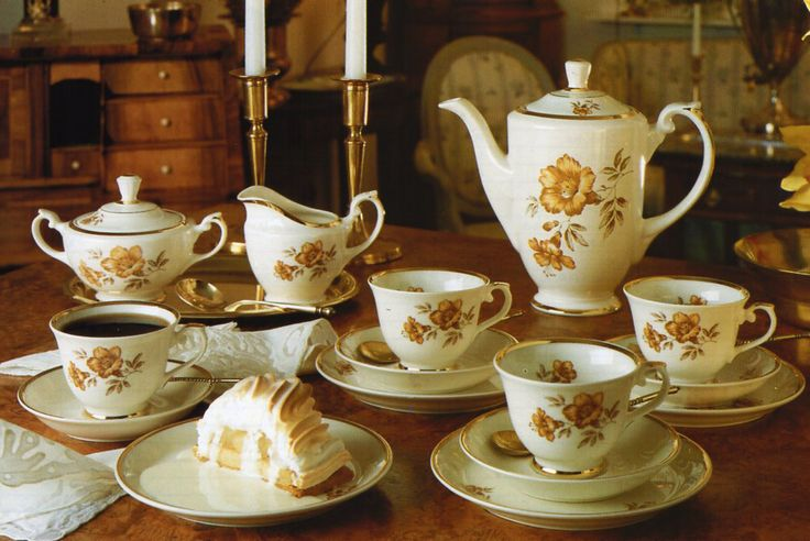 """Arabia """"Myrna""""....This dinnerware I have hidden in a cupboard, maybe I should start using it .... unfortunately missing the coffee pot in the collection"""