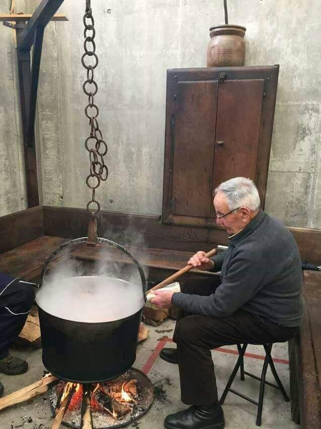Cocina Gallega De Antano Santiago De Compostela A Coruna Comunidades Autonomas