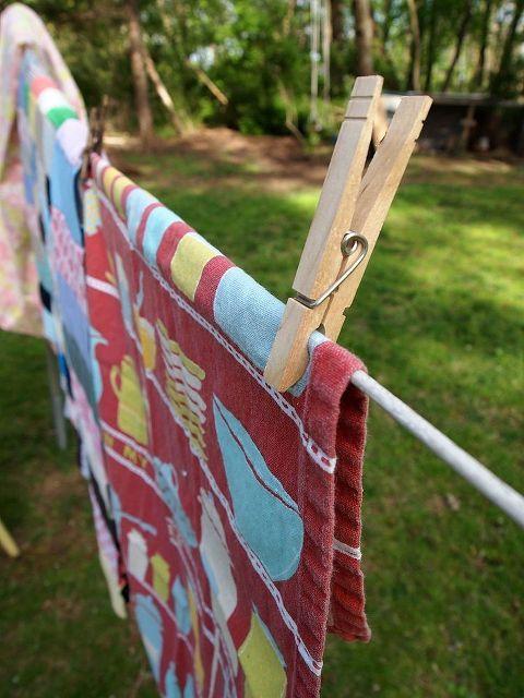 Top 25 Best Yard Sale Displays Ideas On Pinterest Hang