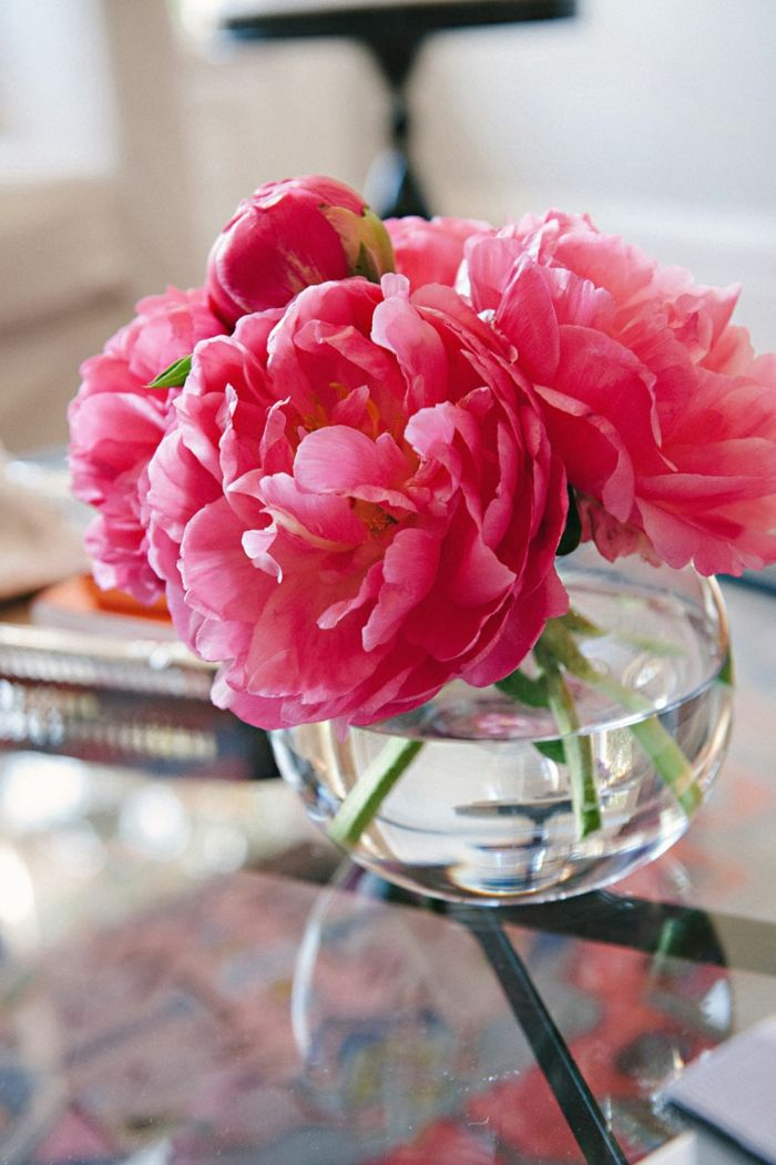 grand vase en verre, deco vase transparent avec fleurs roses