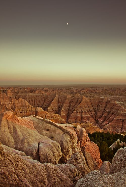 magnificent    Badlands (bykikikentucky)    take me here, this is beautiful