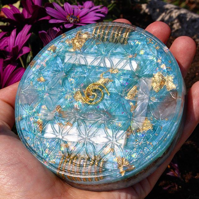 ✨Flower Of Life Orgonite Charging Plate ✨ Now available in our etsy 🍃