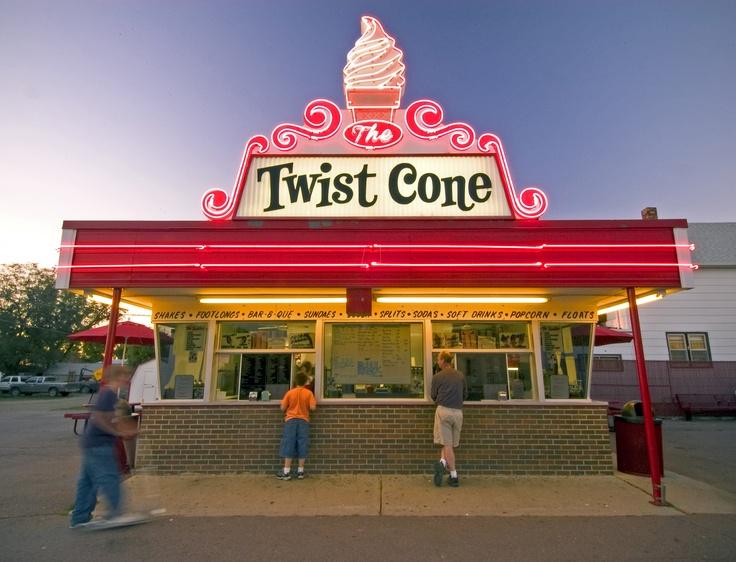 Aberdeen's famous hot spot, Twist Cone, N Hwy 281.