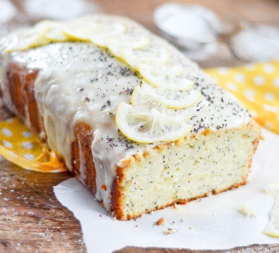 Tweet Share Pinterest Fait à partir de yogourt grec, ce pain aromatisé au citron et aux graines de pavot est légèrement sucré avec une touche acidulée. Les graines de pavot ajoute un petit croquant au pain et il se déguste à merveille avec un bon café ou un thé. On en profite pour se gâter...Lire la suite ... »