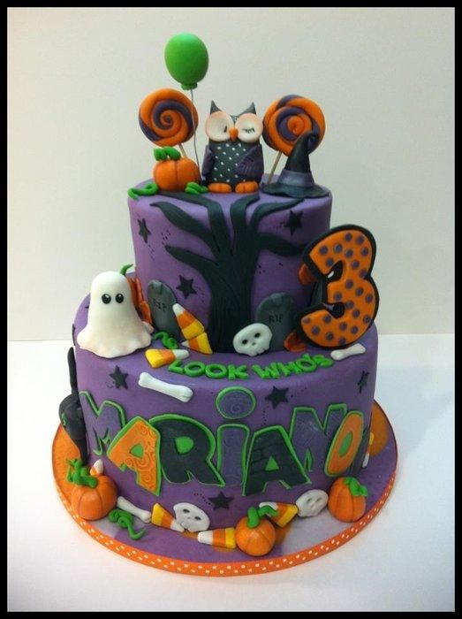 Halloween is my favorite holiday, so I loved making this cake. The owl was inspired by Sugar High Inc. Although mine is no where near as perfect as hers. lol. Thanks for looking :)