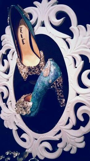 Sparkle heels in ornate frame