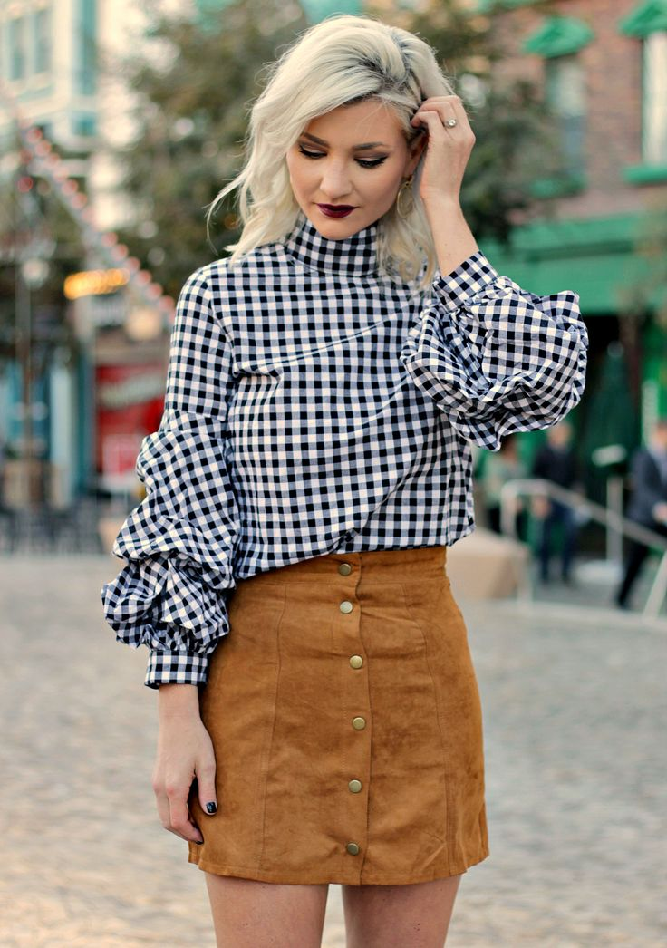 Fall or winter outfit inspo: Ruffle sleeved gingham top with suede skirt