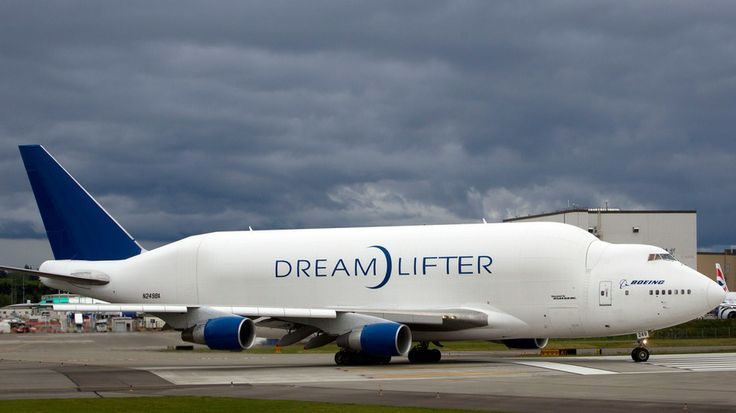 Giant Boeing Dreamlifter Lands at Wrong Airport