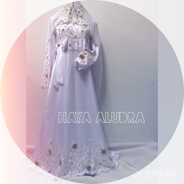 wedding dress.  whatsapp 0133990046 for details  #abayakawin #abayamurah #abayasatin #abayacantik #sayajualjubah #sayajualbajuraya #tempahanraya #bajukawin #bazaarpaknil #butikkuantan #kuantan #kerjakawin #pahang