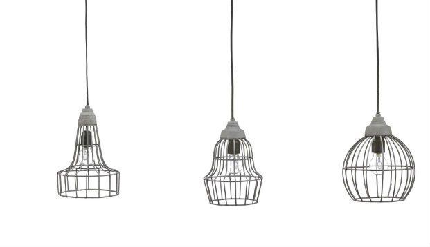 We hebben weer een leuke en betaalbare lamp gevonden, die ook nog eens goed te combineren is met verschillende stijlen. De hanglamp heeft een open kap van metaal en is er in drie uitvoeringen. De lampen zijn leuk te combineren boven de eettafel bijvoorbeeld, maar los van elkaar zijn het ook echte eye-catchers. De lamp […]