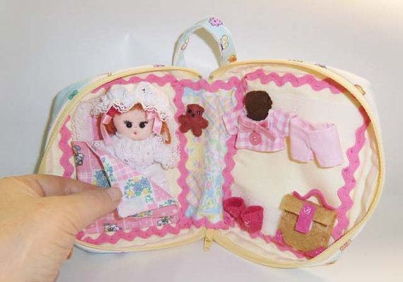 Cloth doll and Dolls house pocket  from travel by ArtistaToscana, $115.00