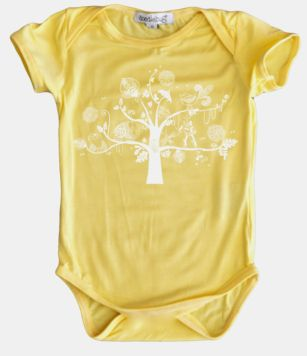 A bamboo onesie designed to fit well over cloth nappies and cut with a little extra length in the body for growing bubs. Super soft and gentle on baby's delicate skin. Bamboo fabric is temperature regulating, absorbent and breathable to help keep baby comfortable.