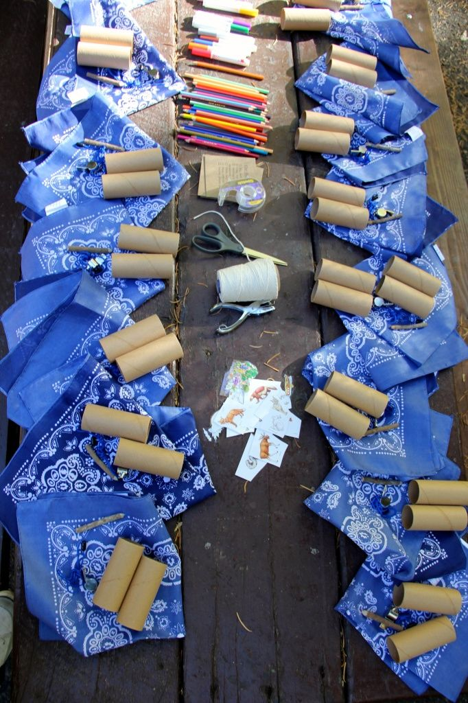 All Time Ever – Going on a Bear Hunt Party, cute binocular craft!