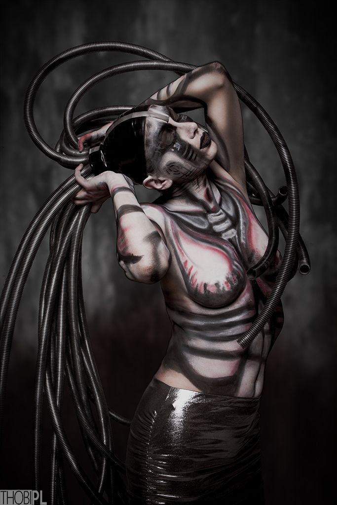 sounds of silence. #black-white, #bodypainting, #city, #DIY, #portrait, #stylization #bodypainting, #cyber, #cyberpunk, #cyberpunk 2020, #cybertrash, #cyborg, #slums, #tentacles, #the fifth element, #trash, #wires
