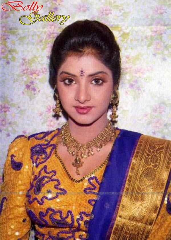 18 Best Divya Bharti Images On Pinterest