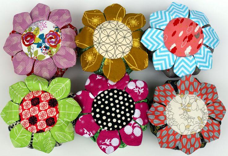 Dresden Lane: Pincushion Mania: 10 Gifts for Friends http://www.bhg.com/crafts/sewing/wild-flower-pincushion/