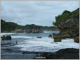 Tempat Wisata Yogyakarta, Pantai Wediombo - Galih Pamungkas