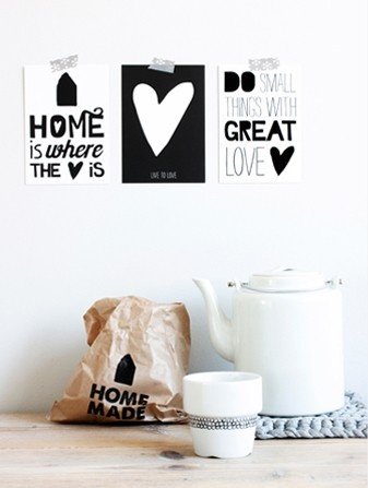 home is where the heart is postcards (Paqhuis)