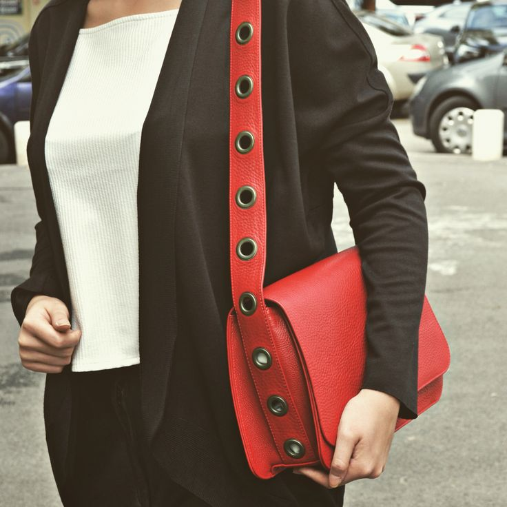 #the5thelementbags #rosettishowroom #leather #eyelets  #red #bags