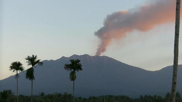 Denpasar airport reopens after volcano ash cloud eases -  July 11, 2015