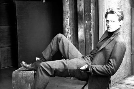 Love photos taken by Annie Leibovitz including this one of Alexander Skarsgard!