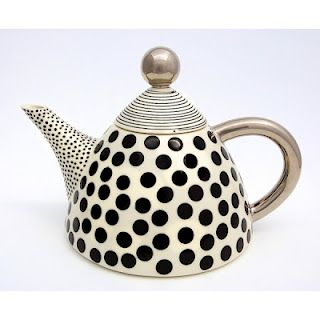 Polka dotted teapot - so darling! Dot pot!