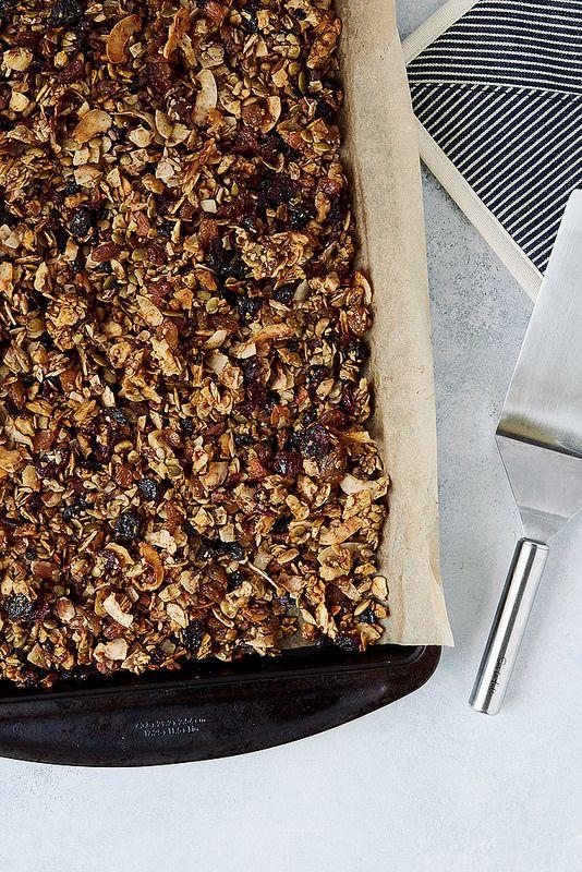 How-To Make Grain-free Granola {Paleo-friendly} - Tasty Yummies