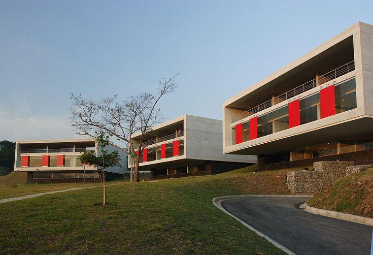 Red de bibliotecas publicas de medellin, Parque bibliotega Leon de Grief  la Ladera