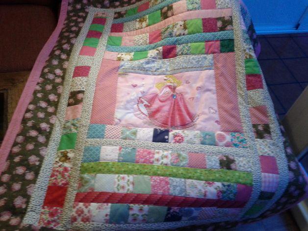 Edredones y patchwork - Manta colcha de Patchwork Princesa Aurora - hecho a mano…