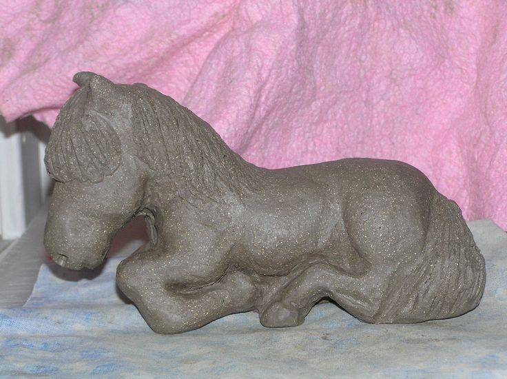 Stentøjshest lavet på Keramikhøjskolen i København 2007. Gave til Annemette og Tino #KroezeDezign