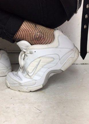 Kaufe meinen Artikel bei #Kleiderkreisel #nike #sneaker #vintage #vintagesneaker #90s #whitesneaker #shoes #whiteshoes #vintageshoes #trainer http://www.kleiderkreisel.de/damenschuhe/turnschuhe/140267390-90s-vintage-nike-sneaker-weiss