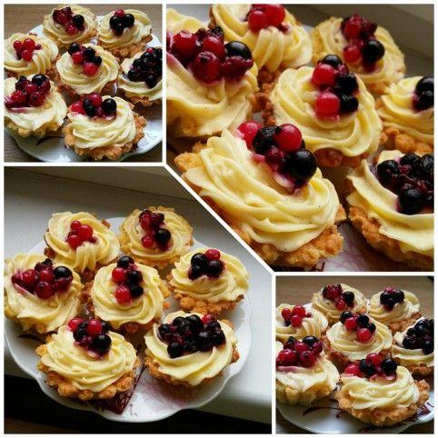 Vaníliás kosárka erdei gyümölcsökkel Recept képpel - Mindmegette.hu - Receptek