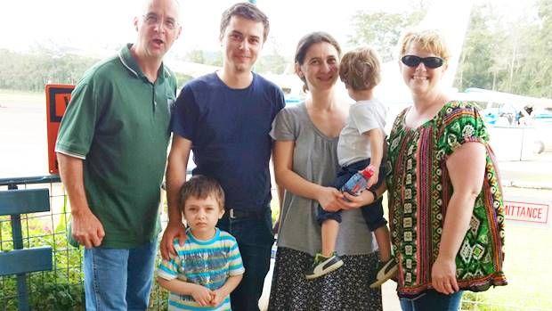 Vești din Ukarumpa - familia Taciuc