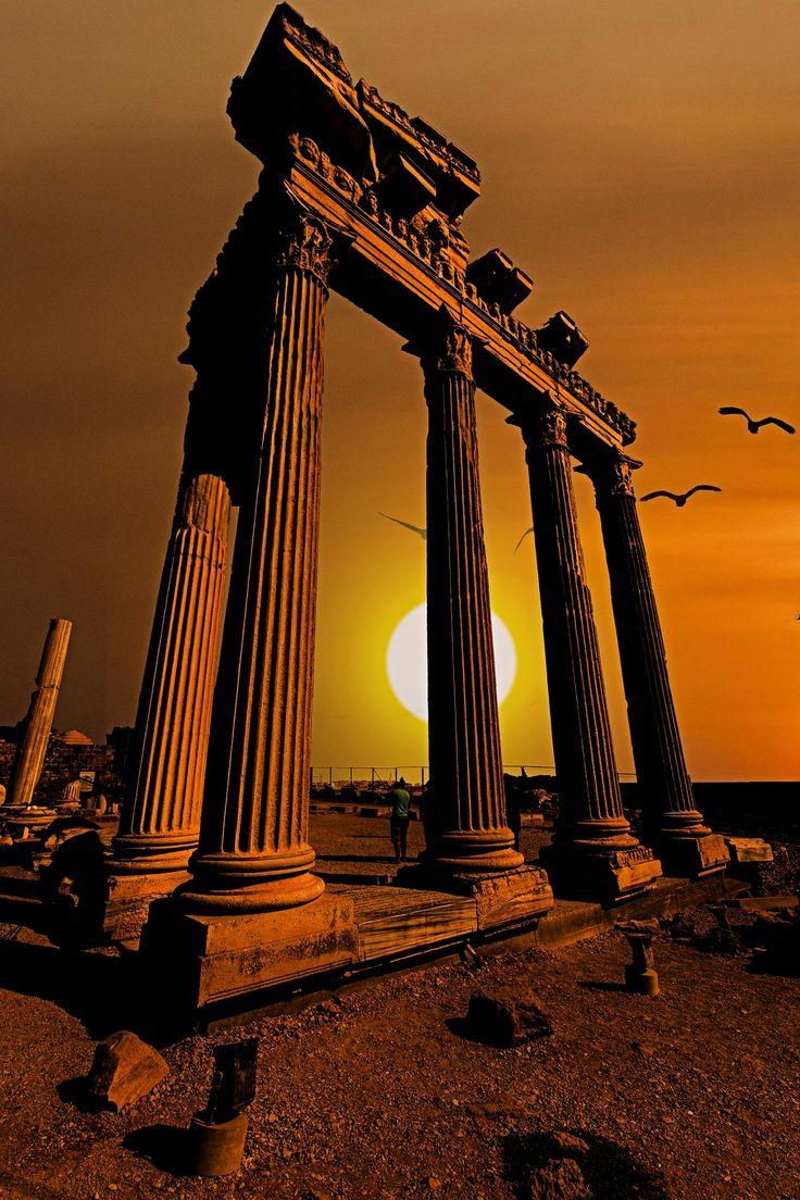 Apollon Tapınağı -  Işık, güzellik ve sanat Tanrısı Side Antalya