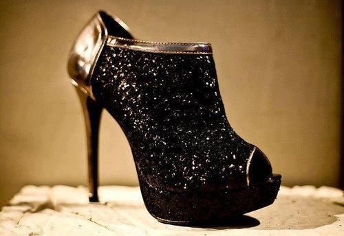 sparkle booties: Ladies Night, Sexy Boots, Black Shoes, Parties Shoes, Black Sparkly, Black Gold, High Heels, Closet, Shoes Heels