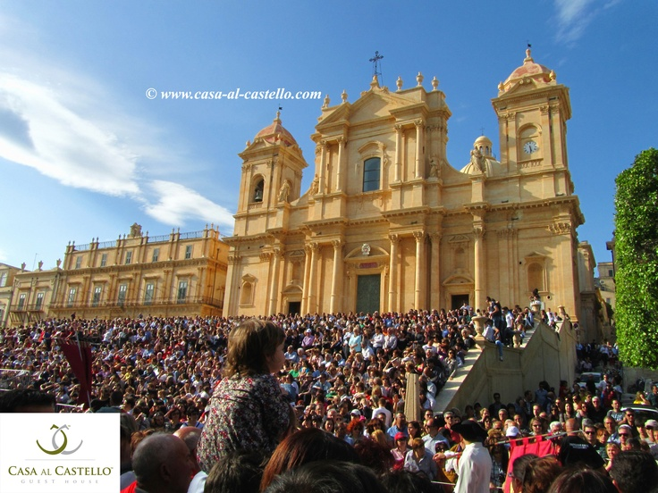 "Noto Cathedral, dedicated to Saint Nicholas of Myra, during the ""Infiorata"" 2012, the Sicilian Flower Festival, Noto - SICILY"