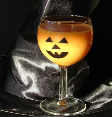 halloween drinks for kids | Hot and Cold Orange Colored Halloween Drinks for Kids!