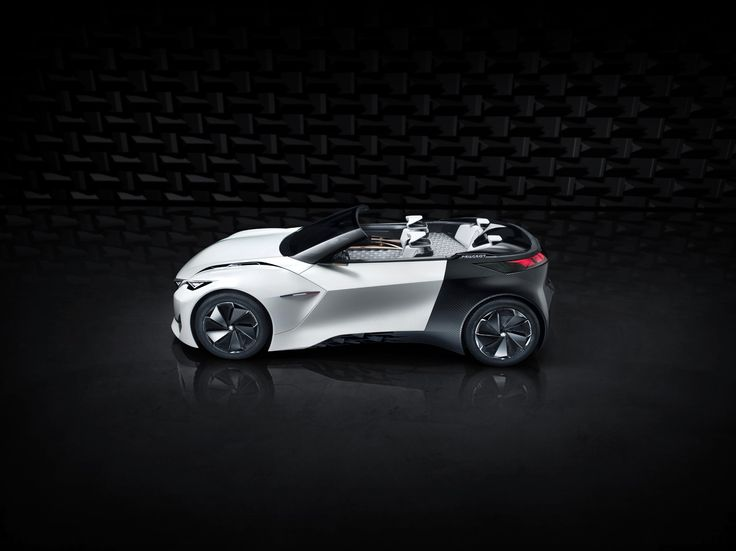 The upper body of the Peugeot Fractal features a removable roof to turn the coupé into a cabriolet.