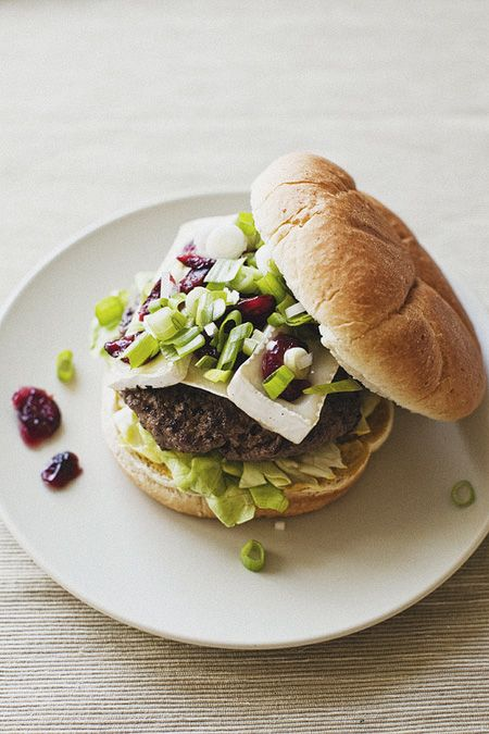 Wisconsin Brie & Cranberry Burgers: Eating Drinks And Be Merry, Recipe, Veggies Burgers, Cranberries Burgers, Hamburg Buns, Burgers Hot Dogs, Cranberries Hamburg, Brie Burgers, Delicious Food