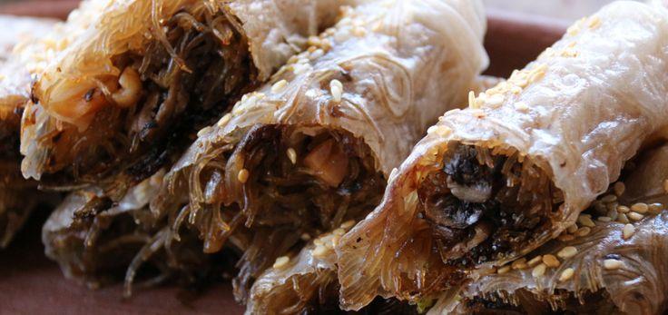 receta-rollo-papel-arroz-relleno-tallarines-arroz-champiñones-cebolla-mani-vegano-cherrytomate-principal