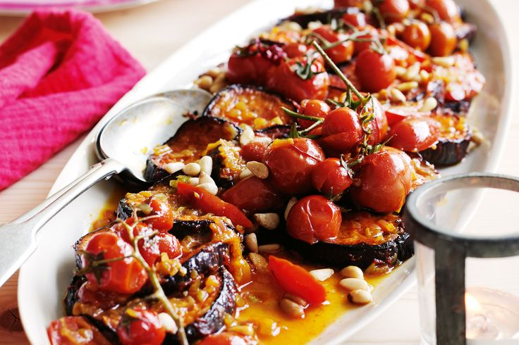 This Middle-Eastern eggplant and tomato salad is too good to sit on the sideline!